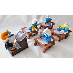 Smurfenschool met 5 Smurfen