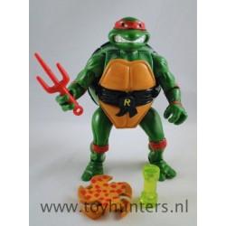 Mutatin Raphael with Sai Pizza Ooze can