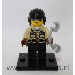 Traffic Cop LEGO 8684 mini Series 2 loose