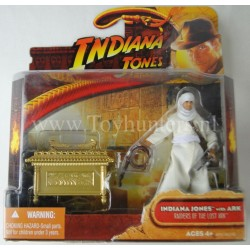 Indy with Ark of the Covenant MOC Deluxe