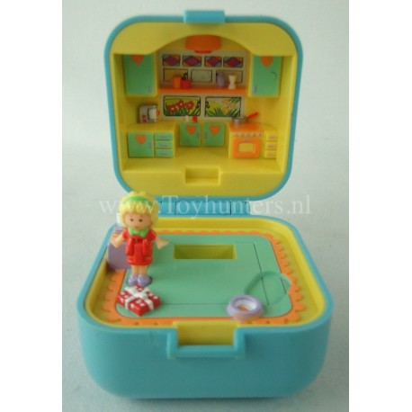 1991 Polly Pocket Dinnertime Ring Case