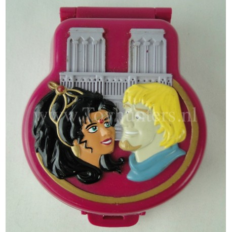 1995 Disney Hunchback of Notre Dame Polly Pocket